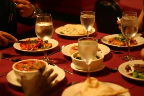 people-eating-at-taj-mahal-orlando1